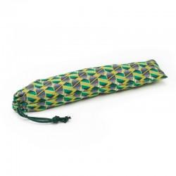 Bolsita estuche de tela estampada con cordón 25x7 cm.